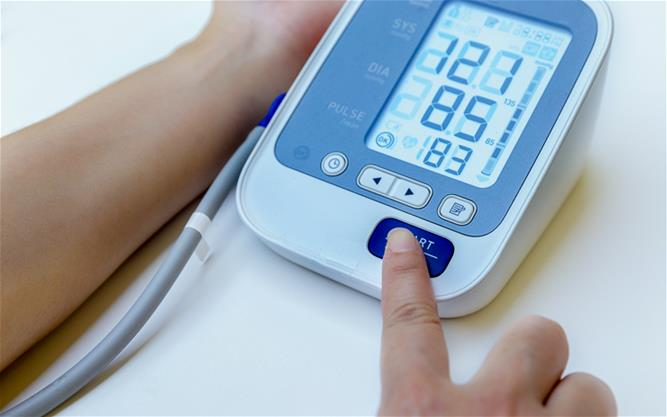 Blood pressure measuring device